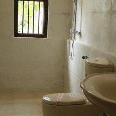 Отель Thaproban Beach House ванная