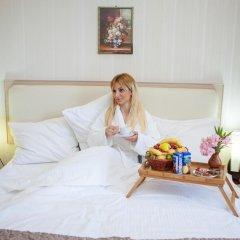 Отель Rustaveli Palace Стандартный семейный номер с двуспальной кроватью фото 25