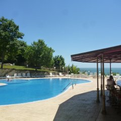 Hotel Ahilea бассейн