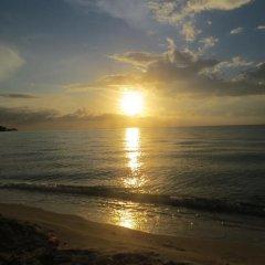 Отель The Retreat @ A Piece Of Paradise Ямайка, Монтего-Бей - отзывы, цены и фото номеров - забронировать отель The Retreat @ A Piece Of Paradise онлайн пляж фото 2