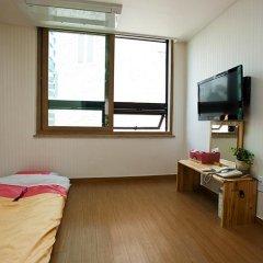 Отель Myeongdong ECO House 2* Стандартный номер с 2 отдельными кроватями фото 26