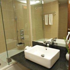Отель Skyna Hotel Luanda Ангола, Луанда - отзывы, цены и фото номеров - забронировать отель Skyna Hotel Luanda онлайн ванная фото 2