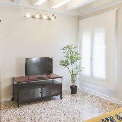 Отель San Marco Suite Apartments Италия, Венеция - отзывы, цены и фото номеров - забронировать отель San Marco Suite Apartments онлайн удобства в номере фото 2