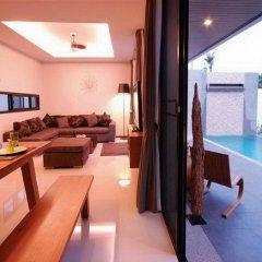 Отель Charming Pool Villa бассейн