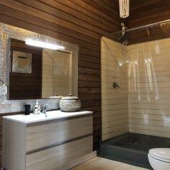 Отель Met House Остров Гасфинолу ванная фото 2