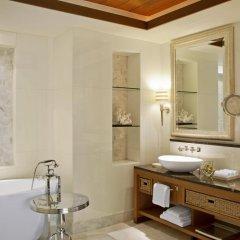 Отель The St. Regis Saadiyat Island Resort, Abu Dhabi 5* Улучшенный номер с различными типами кроватей
