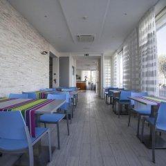 Hotel Gabbiano Римини гостиничный бар