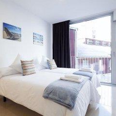 Отель Charmsuites Nou Rambla Апартаменты с разными типами кроватей
