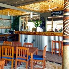 Отель Blue Lagoon Beach Resort Фиджи, Матаялеву - отзывы, цены и фото номеров - забронировать отель Blue Lagoon Beach Resort онлайн гостиничный бар