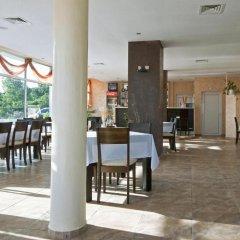 Nushev Hotel питание