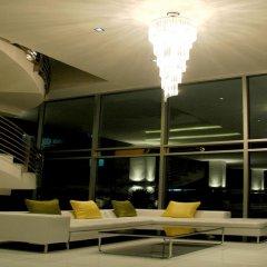 Отель Seven Place Executive Residences Бангкок гостиничный бар