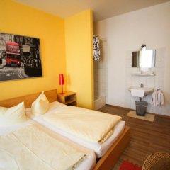 Отель Pension/Guesthouse am Hauptbahnhof Стандартный номер с двуспальной кроватью (общая ванная комната) фото 7