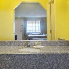 Отель Days Inn & Suites by Wyndham Vicksburg 2* Стандартный номер с 2 отдельными кроватями фото 2