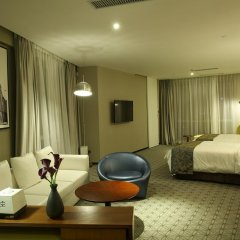 Shanghai Bund South China Harbour View Hotel комната для гостей фото 4