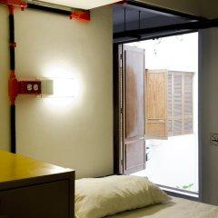 Hostel Mundo Joven Catedral Кровать в общем номере фото 6
