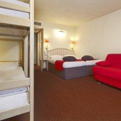 Отель Campanile Val de France 3* Стандартный номер с двухъярусной кроватью фото 10