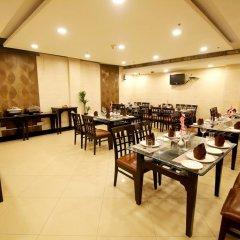 Отель Chirag Residency Индия, Нью-Дели - отзывы, цены и фото номеров - забронировать отель Chirag Residency онлайн питание
