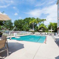 Отель Holiday Inn Express & Suites Sarasota East бассейн фото 2