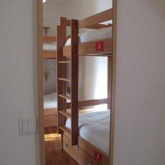 Inn Possible Lisbon Hostel Кровать в общем номере с двухъярусной кроватью фото 11