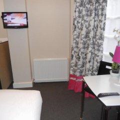 Russell Court Hotel 4* Стандартный номер с различными типами кроватей