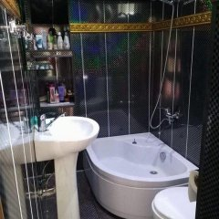 Отель Гостевой Дом GNLM Грузия, Тбилиси - отзывы, цены и фото номеров - забронировать отель Гостевой Дом GNLM онлайн ванная фото 2