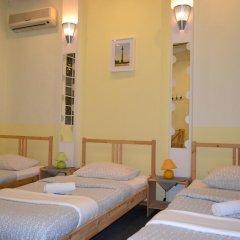 Хостел LikeHome Кровать в женском общем номере фото 15