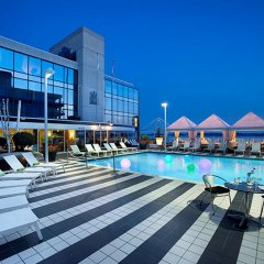 Отель Radisson Hotel Admiral Toronto-Harbourfront Канада, Торонто - отзывы, цены и фото номеров - забронировать отель Radisson Hotel Admiral Toronto-Harbourfront онлайн бассейн фото 2