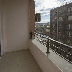 Апартаменты FlatsInYerevan - Apartments at Aram Street (New Building) балкон