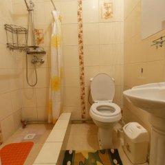 Отель Jamilya B&B Кыргызстан, Каракол - отзывы, цены и фото номеров - забронировать отель Jamilya B&B онлайн ванная фото 2
