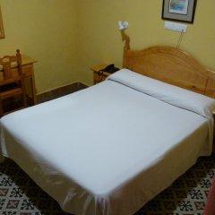 Отель Hostal Sierpes Стандартный номер с различными типами кроватей фото 4