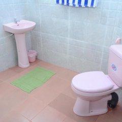 Отель Jayasinghe Holiday Resort ванная фото 2