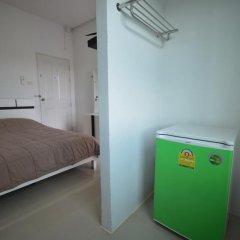 Отель Jc Guesthouse сейф в номере