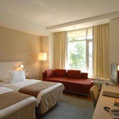 Отель Hilton Helsinki Kalastajatorppa 4* Стандартный семейный номер с разными типами кроватей