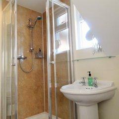 Отель Alcuin Lodge Guest House 4* Стандартный номер с двуспальной кроватью (общая ванная комната) фото 3