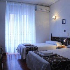 Отель Hostal Esmeralda Стандартный номер с различными типами кроватей фото 8