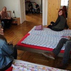 Pal's Hostel & Apartments Стандартный семейный номер с двуспальной кроватью фото 4