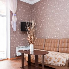 Апартаменты Inndays на Демонстрации комната для гостей