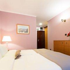 Hotel Sterling Garni 4* Номер категории Эконом с различными типами кроватей фото 4