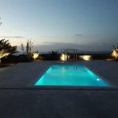 Отель Ecoxenia Studios Греция, Остров Санторини - отзывы, цены и фото номеров - забронировать отель Ecoxenia Studios онлайн бассейн