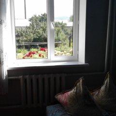 Отель Guest house Semeynyi Кыргызстан, Каракол - отзывы, цены и фото номеров - забронировать отель Guest house Semeynyi онлайн балкон