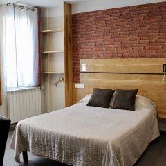 Hotel Des Pyrenees Париж комната для гостей фото 23
