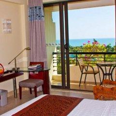 Отель Palm Beach Resort&Spa Sanya балкон