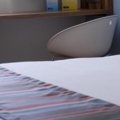 Отель Travelodge Madrid Alcalá Стандартный номер с двуспальной кроватью фото 8