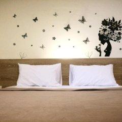 Phuthara Hostel Номер Делюкс с различными типами кроватей фото 8
