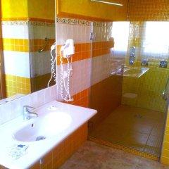 Отель Posada Valle de Güemes Испания, Лианьо - отзывы, цены и фото номеров - забронировать отель Posada Valle de Güemes онлайн ванная