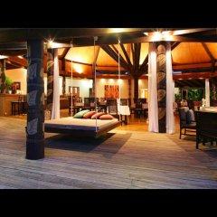 Отель Matangi Private Island Resort гостиничный бар