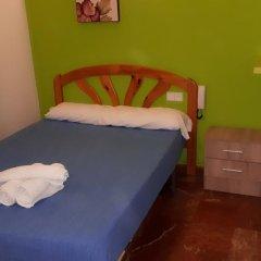 Отель Hostal Nevot Стандартный номер с различными типами кроватей фото 11