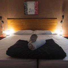Отель Break N Bed комната для гостей фото 3