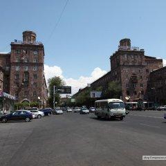 Апартаменты Apartment at Kievyan Street парковка