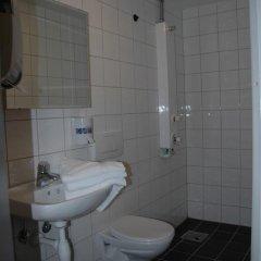 Отель Bergen YMCA Hostel Норвегия, Берген - отзывы, цены и фото номеров - забронировать отель Bergen YMCA Hostel онлайн ванная фото 2